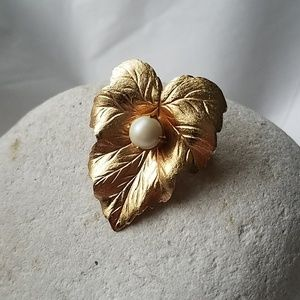 True Vintage Sarah Coventry pin